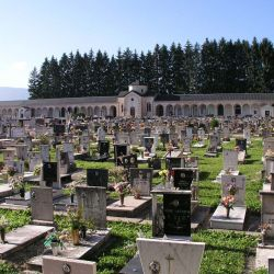 024 Friedhof Asiago II.jpg